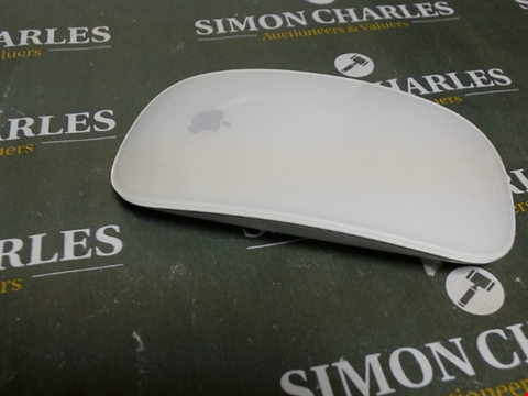 Lot 553 APPLE MAGIC MOUSE 2 WIRELESS SILVER