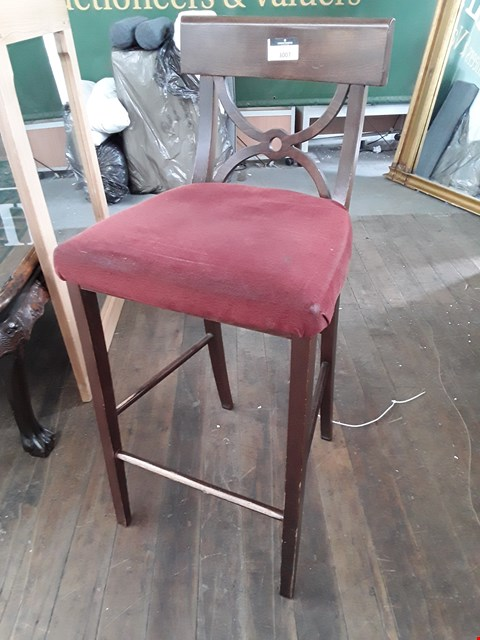 Lot 5002 STAINED WOOD BAR STOOL WITH RED FABRIC SEAT