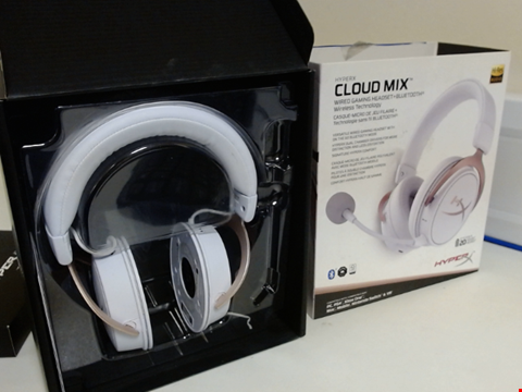 Lot 15276 HYPERX HX-HSCAM-RG/WW CLOUD MIX ROSE GOLD - WIRED AND BLUETOOTH GAMING HEADSET