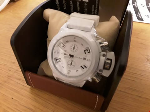 Lot 88 BOXED LA BANUS WHITE STRAP WRIST WATCH WITH WHITE FACE