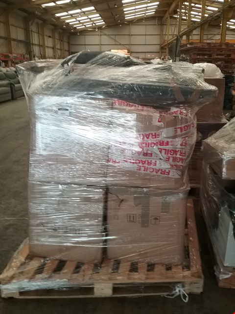 Lot 1033 PALLET OF APPROXIMATELY 5 ASSORTED PRODUCTS TO INCLUDE;