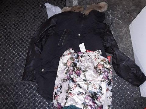 Lot 838 A BOX OF APPROXIMATELY 30 ASSORTED CLOTHING ITEMS TO INCLUDE,  DEFINITIONS BONDED LACE SKIRT , TOBACCO FAUX LEATHER COAT SIZE 22 AND GOLD PATTERNED SKIRT ETC