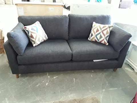 Lot 72 QUALITY BRITISH DESIGNER NAVY WEAVE FABRIC 3 SEATER SOFA WITH CONTRAST SCATTER CUSHIONS
