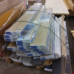 Lot 2095 PALLET OF ASSORTED LAMINATE FLOORING
