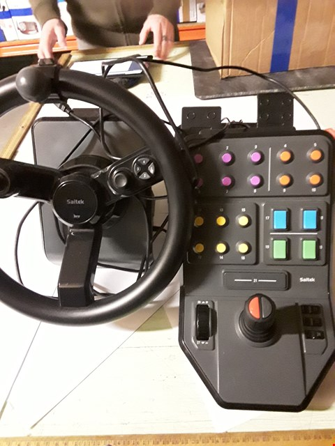 Lot 1785 LOGITECH HEAVY EQUIPMENT FARM SIM CONTROLLER