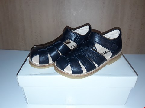 Lot 12611 BOXED ANGULUS NAVY LEATHER BUCKLE SANDALS UK SIZE 11 JUNIOR
