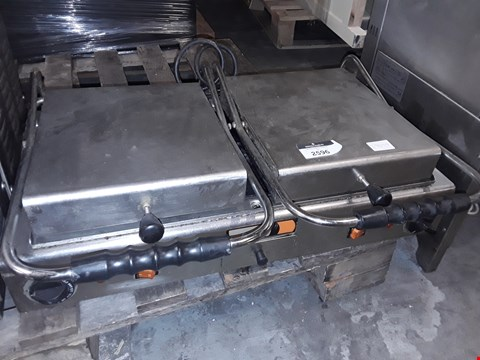 Lot 9027 FIAMMA COMMERCIAL 240V PRESS GRILL VCR 8LIL