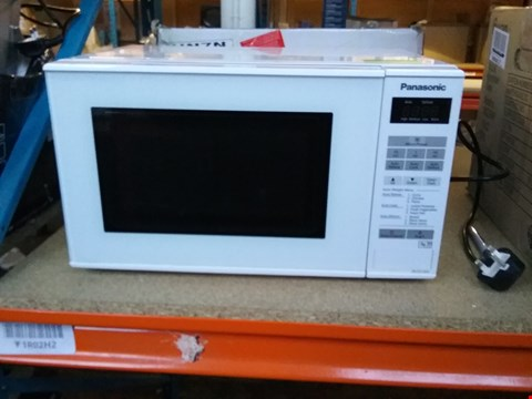 Lot 2432 BOXED PANASONIC MICROWAVE