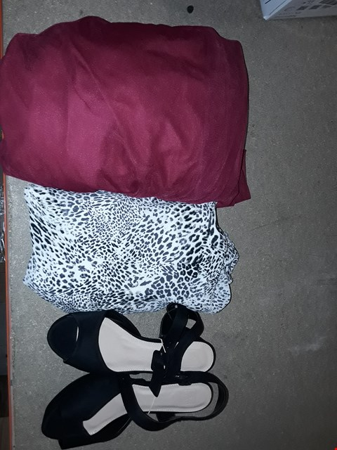 Lot 9327 LOT OF 4 BOXES OF APPROXIMATELY 85 CLOTHING ITEMS TO INCLUDE WOMEN'S HIGH HEELS EEE FIT BLACK, WOMEN GO PRINT DRESS VARIOUS SIZES, ECT