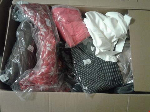 Lot 857 A BOX OF APPROXIMATELY 18 ASSORTED ITEMS TO INCLUDE A BLACK T-SHIRT AND A NAVY BLUE LADIES DRESS