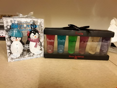 Lot 2055 LOT OF 2 ITEMS TO INCLUDE WILKO FRUITS SHOWER GEL GIFT SET AND GOOD HOUSEKEEPING FROSTY FRIENDS HAND SOAP GIFT SET