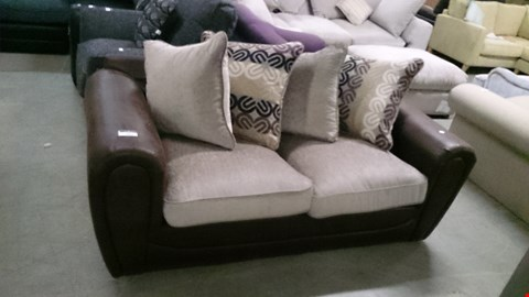 Lot 1233 DESIGNER BROWN SUEDE AND BEIGE FABRIC 2 SEATER SOFA WITH SCATTER CUSHIONS