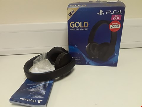 Lot 1424 BOXED PS4 GOLD WIRELESS HEADSET
