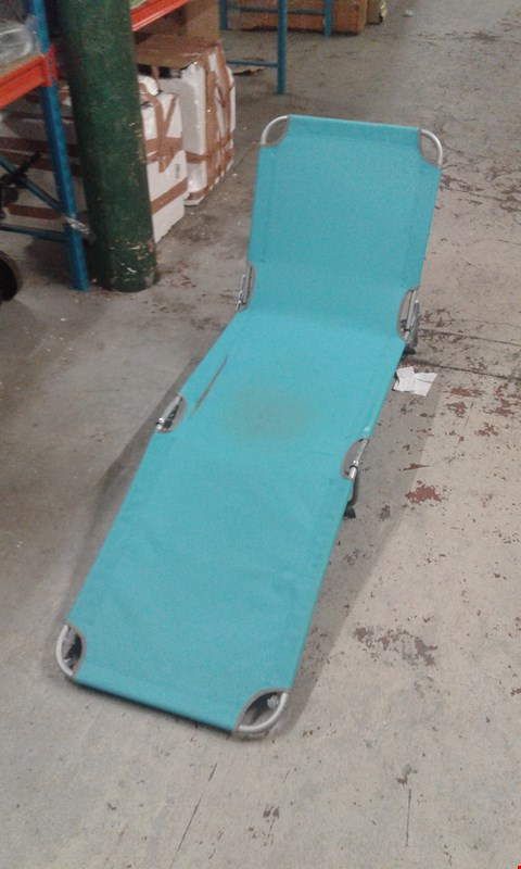 Lot 7608 BRIGHTON SUNLOUNGER TURQUOISE - DAMAGED  RRP £30.00