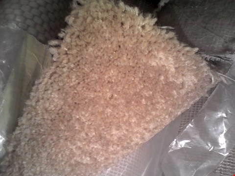 Lot 62 ROLL OF QUALITY BEIGE CARPET SIZE UNSPECIFIED