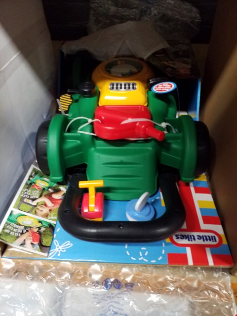 Lot 3152 LITTLE TIKES GAS N GO MOWER RRP £30.00