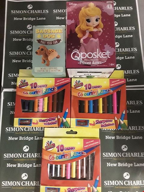 Lot 601 LOT OF 5 ASSORTED ITEMS TO INCLUDE 3 PACKS OF CHUNKY COLOURING PENCILS, MAKE YOUR OWN SAUSAGE DOG AND DISNEY QPOSKET PRINCESS AURORA