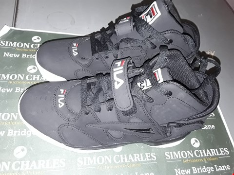 Lot 9029 FILA DESIGNER TRAINERS IN BLACK UK SIZE 4