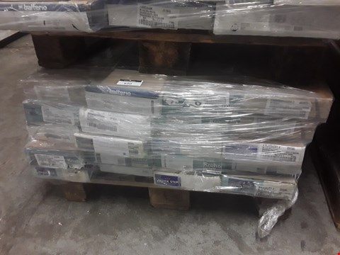 Lot 930 PALLET OF APPROXIMATELY 20 PACKS OF ASSORTED LAMINATE FLOORING