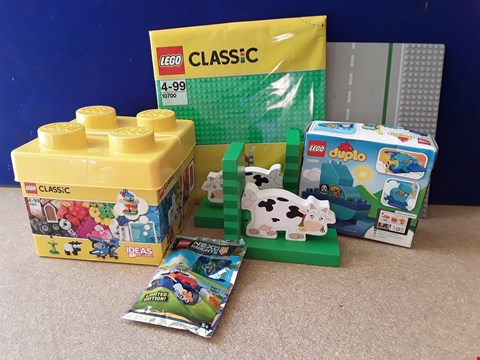 Lot 5073 SIX ASSORTED ITEMS, INCLUDING PAIR OF WOODEN COW BOOKENDS, LEGO TUB AND DUPLO BOAT