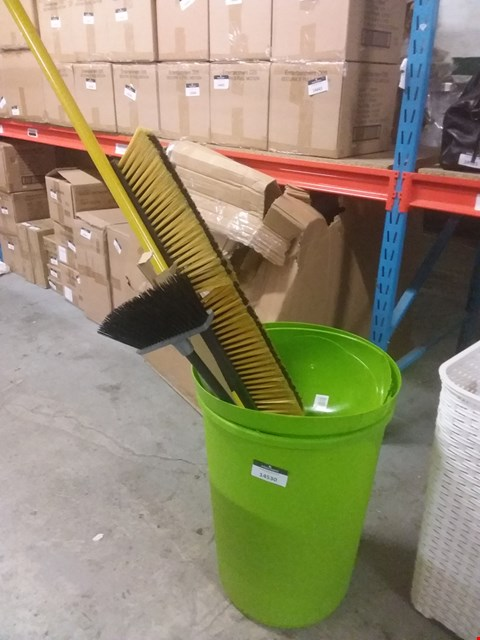 Lot 12790 LOT OF APPROXIMATELY 5 HOME CLEANING ACCESSORIES TO INCLUDE LIME GREEN SWING-TOP BIN AND HEAVY DUTY BROOM