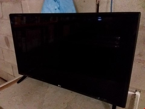 "Lot 203 LG 32LJ510B 32"" HD TV"