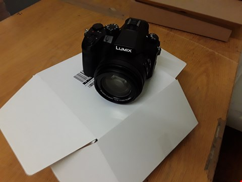 Lot 65 GRADE 1 LUMIX DMC-FZ2000 DIGITAL CAMERA  RRP £1439