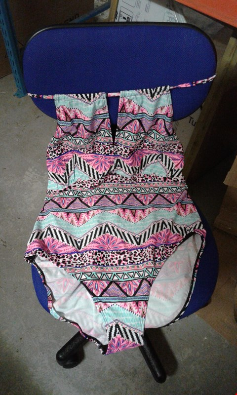 Lot 53 BOX OF APPROXIMATELY 25 PINK/TURQUOISE/BLACK/WHITE PATTERNED SWIMMING COSTUMES
