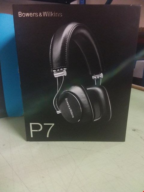 Lot 90 BOWERS & WILLIAMS P7 HEADPHONES