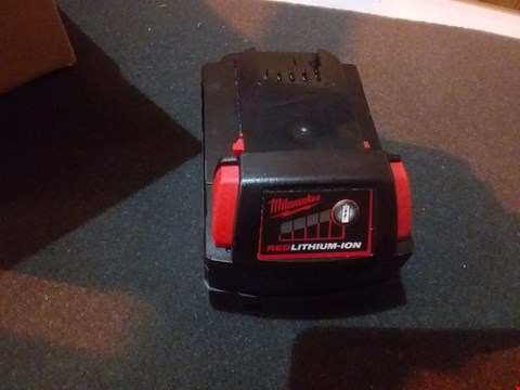 Lot 6666 MILWAUKEE REDLITHIUM-ION CHARGER