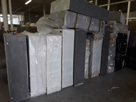 Lot 12173 LOT OF APPROXIMATELY 16 ASSORTED DIVAN BASE SECTIONS IN VARIOUS SIZES
