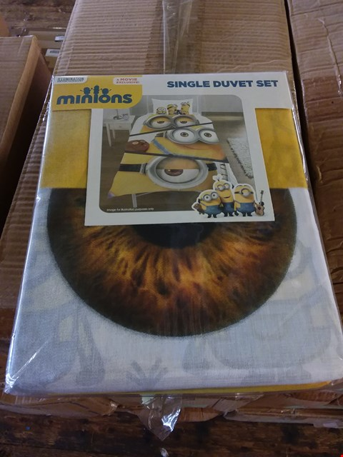 Lot 78 Lot of 3 boxes of minion duvet sets approx 32