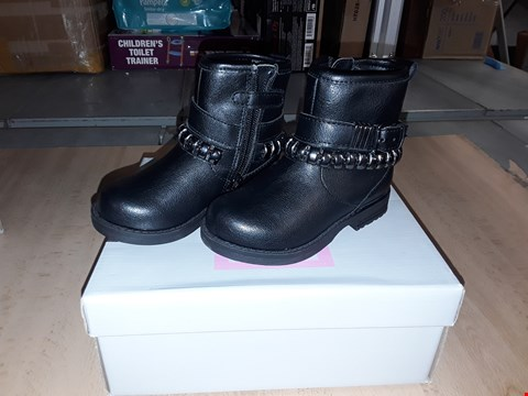 Lot 12544 BOXED LELLI KELLY CAROL BLACK LEATHER BUCKLE ZIP UP BOOTS UK SIZE 5.5 JUNIOR