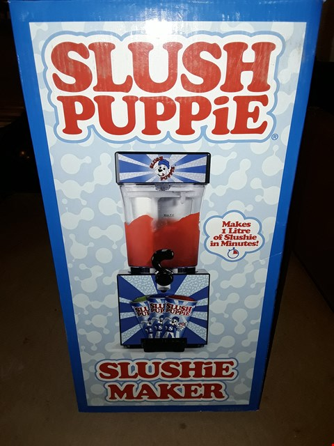 Lot 353 SLUSH PUPPIE SLUSHIE MAKER