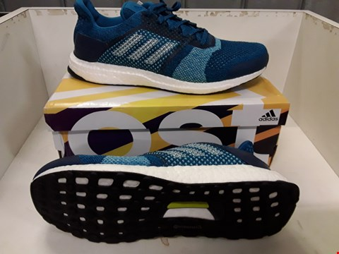 Lot 4003 PAIR OF DESIGNER TRAINERS IN THE STYLE OF ADIDAS ULTRABOOST ST SIZE UK 10