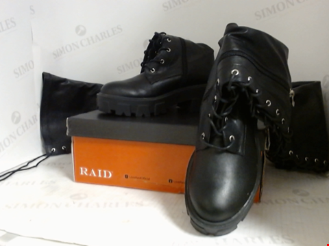 Lot 16009 BOXED PAIR OF DESIGNER RAID BOOTS  - UK SIZE 3