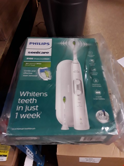 Lot 2574 BRAND NEW PHILIPS SONICARE 6100 PROTECTIVE CLEAN ELECTRIC TOOTHBRUSH  RRP £90