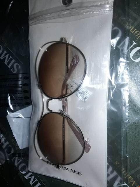 Lot 2060 RIVER ISLAND OVER SIZED GOLD SUN GLASSES  RRP £22.00