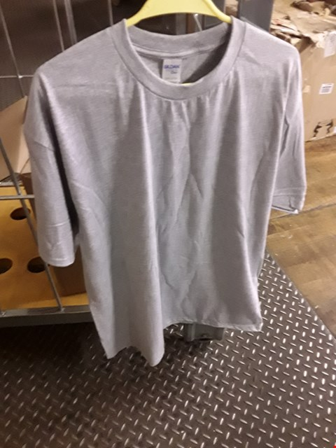 Lot 2557 A LOT OF 10 BRAND NEW GILDEN RS GREY XL SWEATSHIRTS
