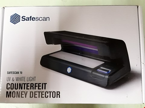 Lot 8503 SAFESCAN 70 NOTE CHECKER - UV & WHITE LIGHT COUNTERFEIT MONEY DETECTOR