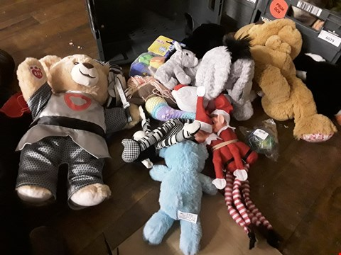 Lot 6083 YRAY OF APPROXIMATELY 12 ASSORTED SOFT TOYS, INCLUDINB, BAB TEDDY, CUTE TEDDY, ELVES, ( TRAY NOT INCLUDED )