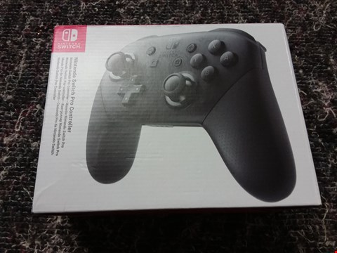Lot 86 NINTENDO SWITCH PRO CONTROLLER NO CABLES RRP £55.00