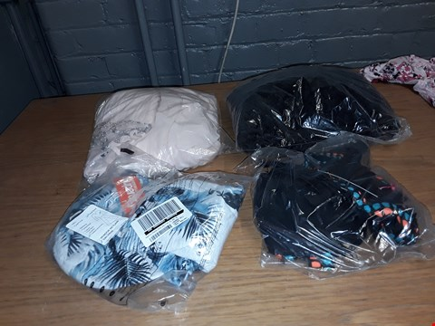 Lot 8090 A LOT OF 5 ASSORTED CLOTHING ITEMS TO INCLUDE,  RUFFLE SLEEVE SMOCK DRESS FLORAL PRINT 14 AND SUPERDRY PREMIUM GOODS AOP T-SHIRT ICE MARL 2XL ETC