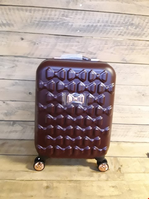 Lot 7195 TED BAKER MAROON CABIN CASE