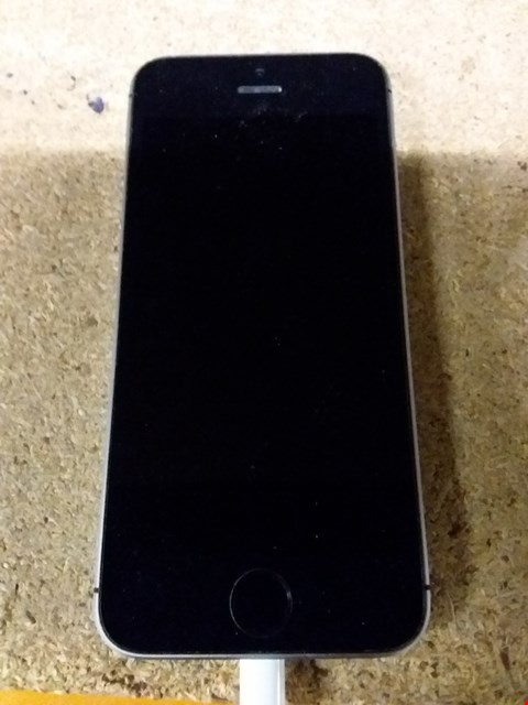 Lot 125 APPLE IPHONE MODEL A1723 BLACK