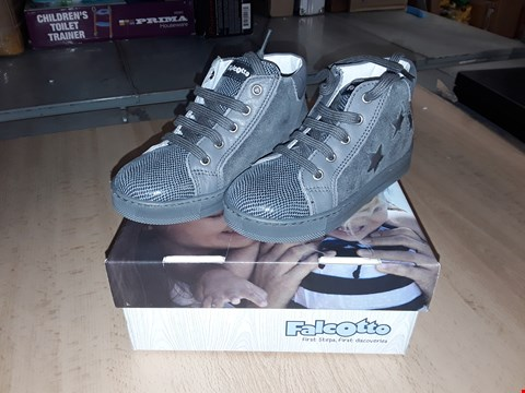 Lot 12250 BOXED FALCOTTO CHILDRENS GREY SUEDE LACE UP TRAINERS UK UK CHILDRENS SIZE 8.5