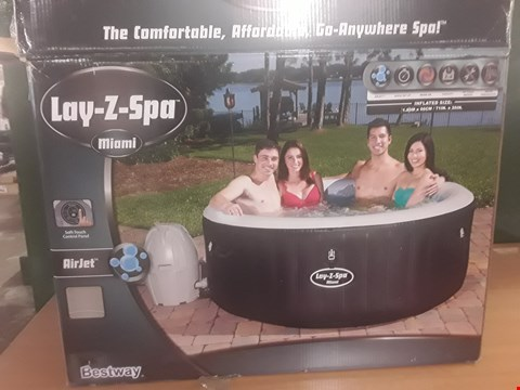 Lot 88 BOXED LAY-Z-SPA MIAMI INFLATABLE HOT TUB SPA  RRP £347