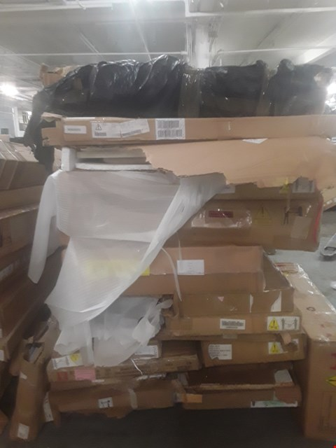 Lot 577 A LARGE PALLET OF ASSORTED FLATPACK FUNTIURE PARTS