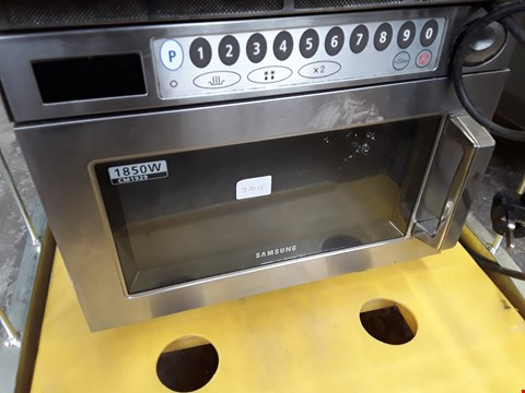 Lot 13561 COMMERCIAL SAMSUNG COMBINATION MICROWAVE OVEN 1850W MODEL NO CM1929