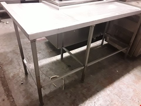 Lot 82 COMMERCIAL L SHAPED WORK TABLE / DRAINER TABLE